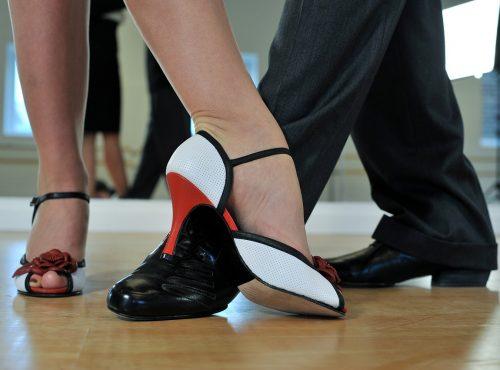argentinian tango, feet, dancers-2079964.jpg